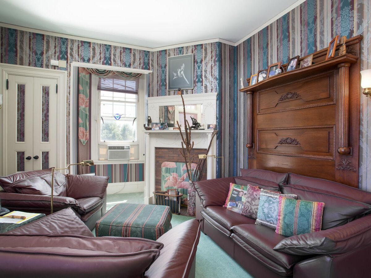 Main House - Master Bedroom Sitting Room