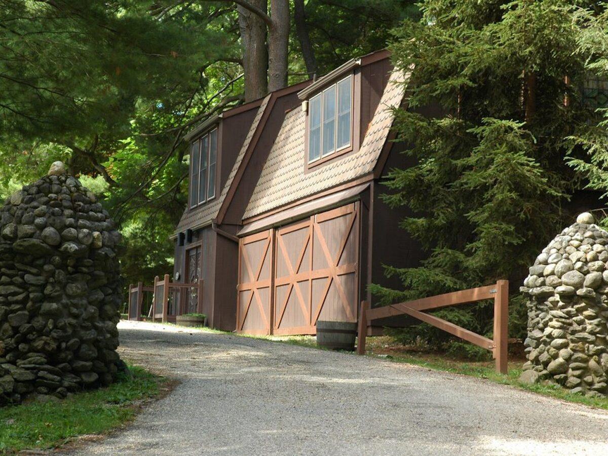 Option House - Exterior